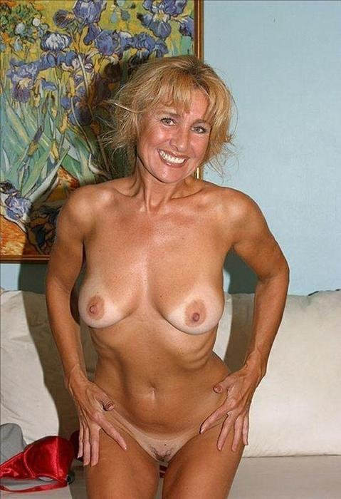 Home amateur nude exercises