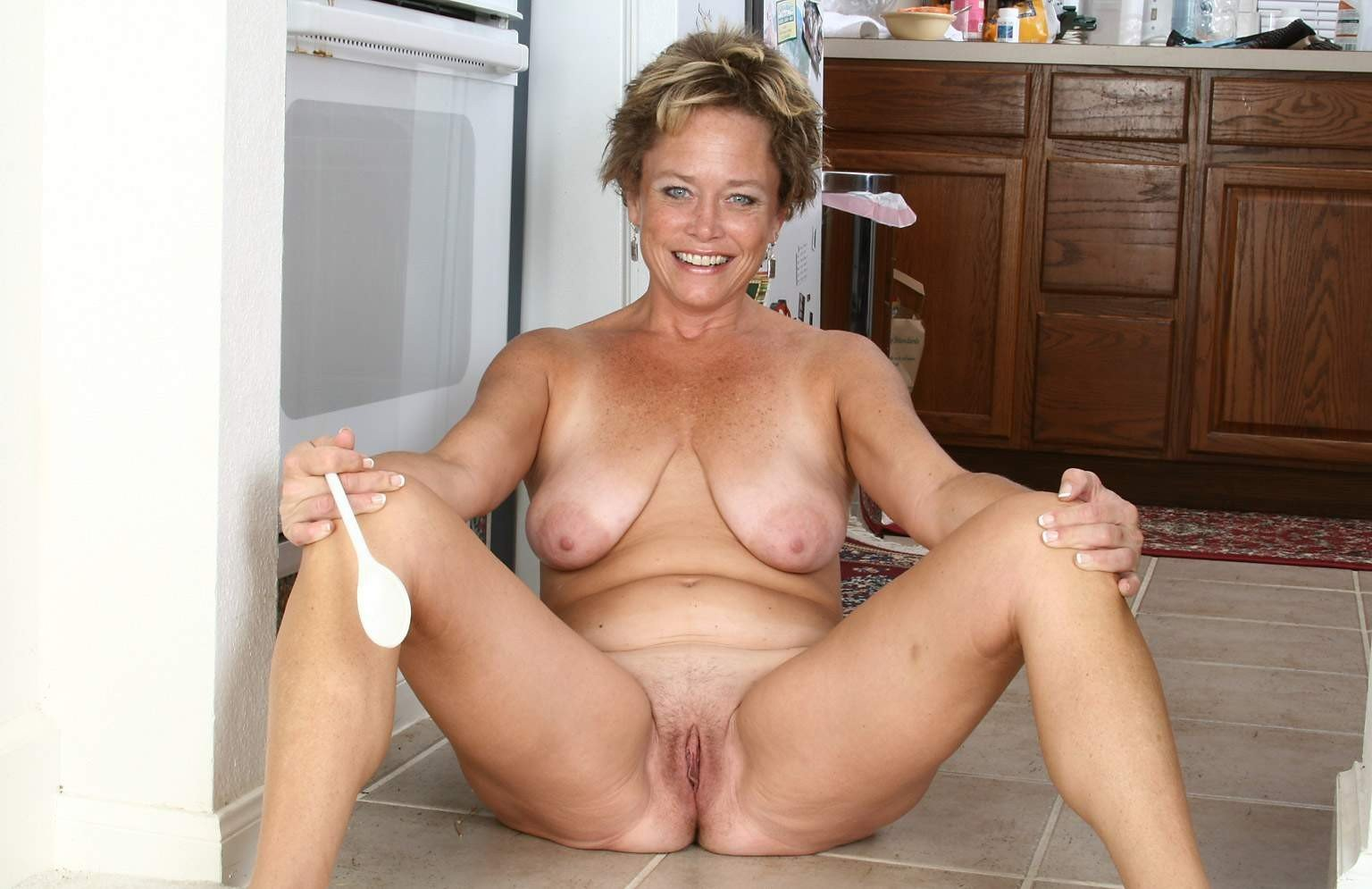 Nude mature mom videos #1