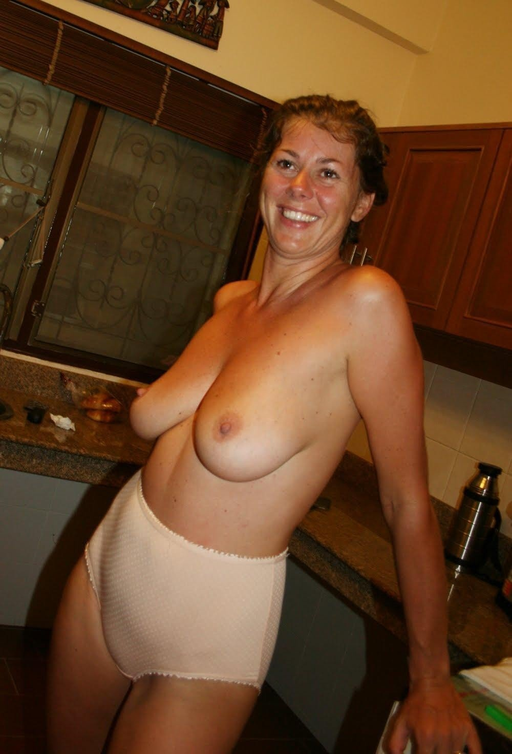 mature women naked