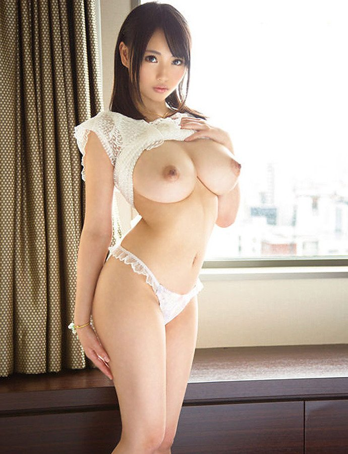 Sexy big breasted nude asian girls