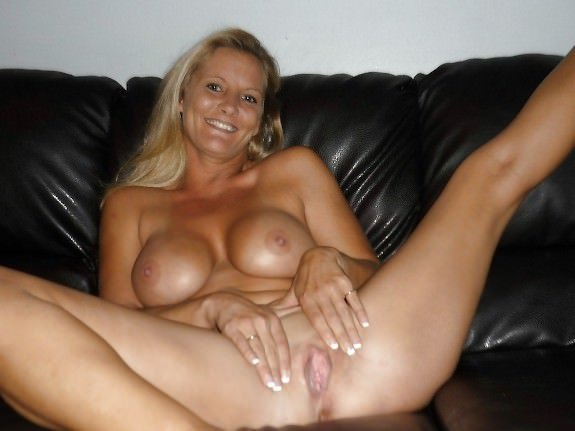 ,Free photos of swingers small boobs hot