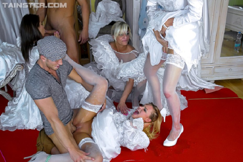 Peeing in a wedding dresstures, young girls finger popping porn