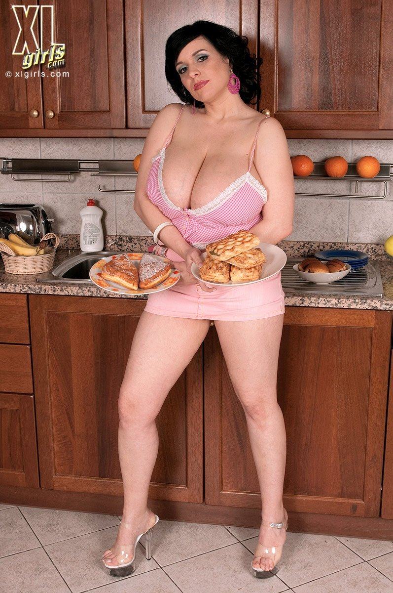 Chubby busty housewife fuck free vieo movie