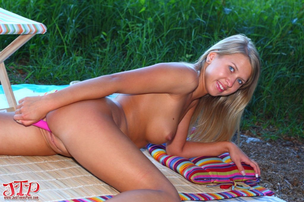 sexy naked blonde sex
