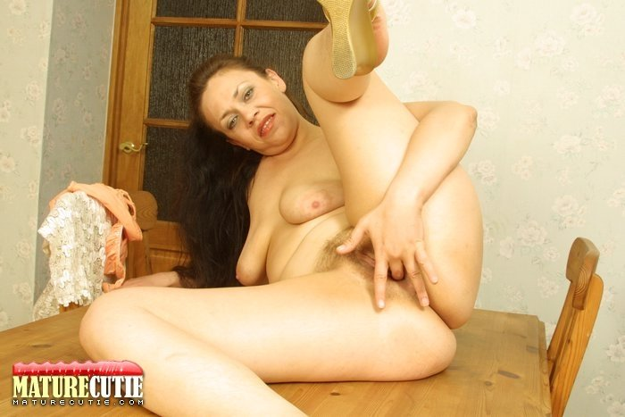 amateur hairy wife pics
