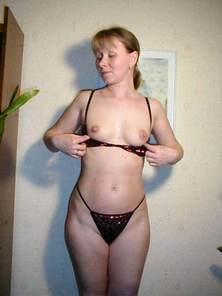 Grotilar    reccomended Pussy show from girls4.us