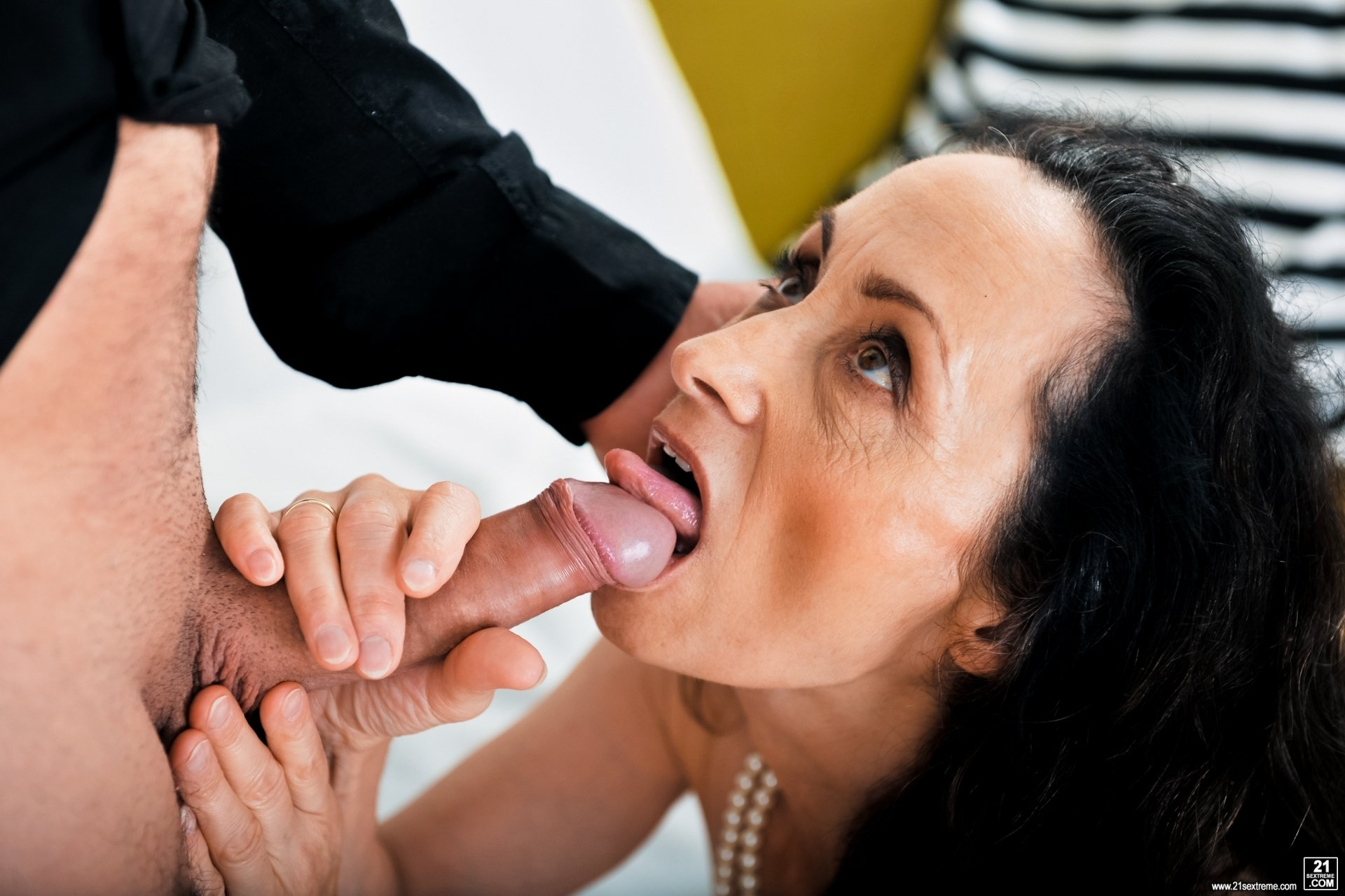 Mature latina feet pics Watch my wife get but fucked