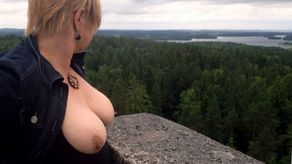 Myrlande reccomended milf busty beach