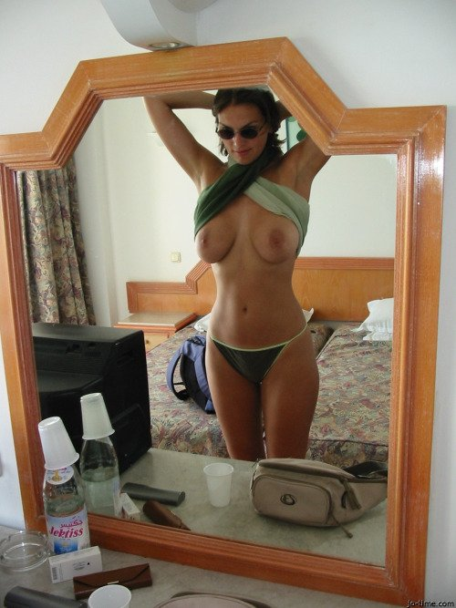 milf laura layne add photo