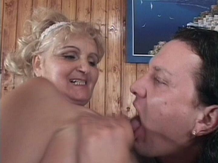 Camp floppy cock sex big boobs arab