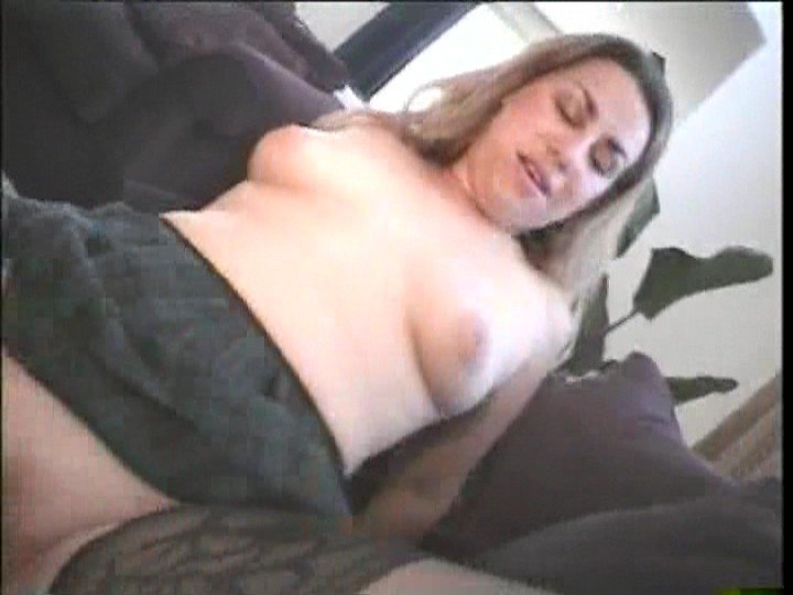 husband and wife sex first time