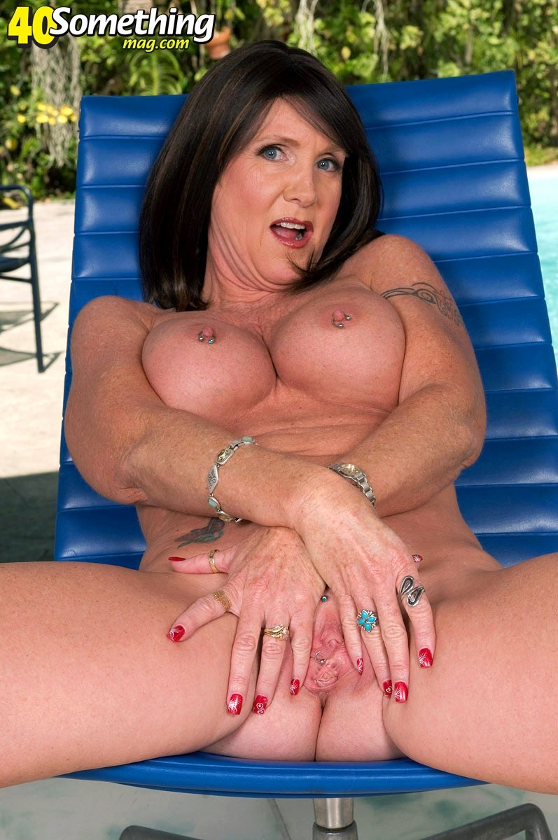 busty mature feet