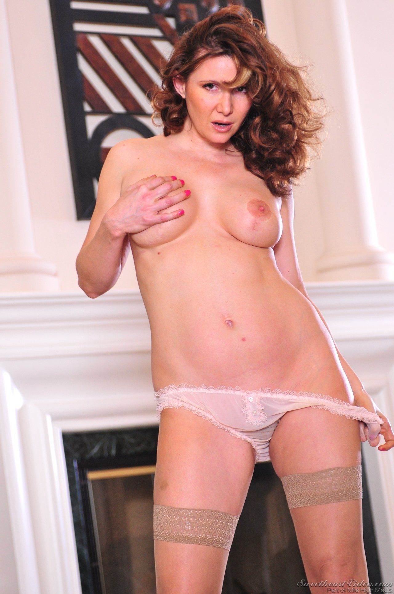 Mature women undressing pics #11