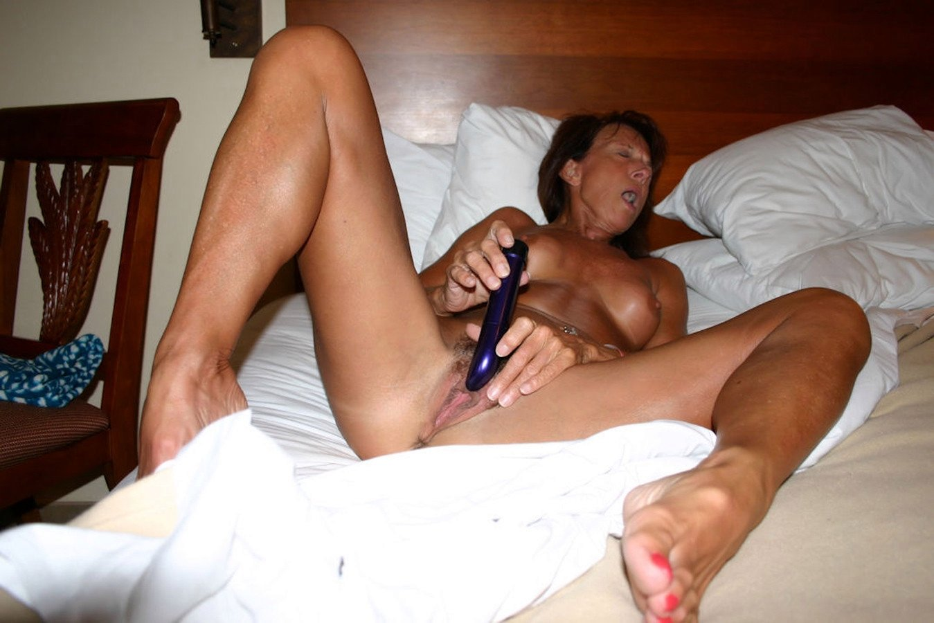amateur middle aged women nude there