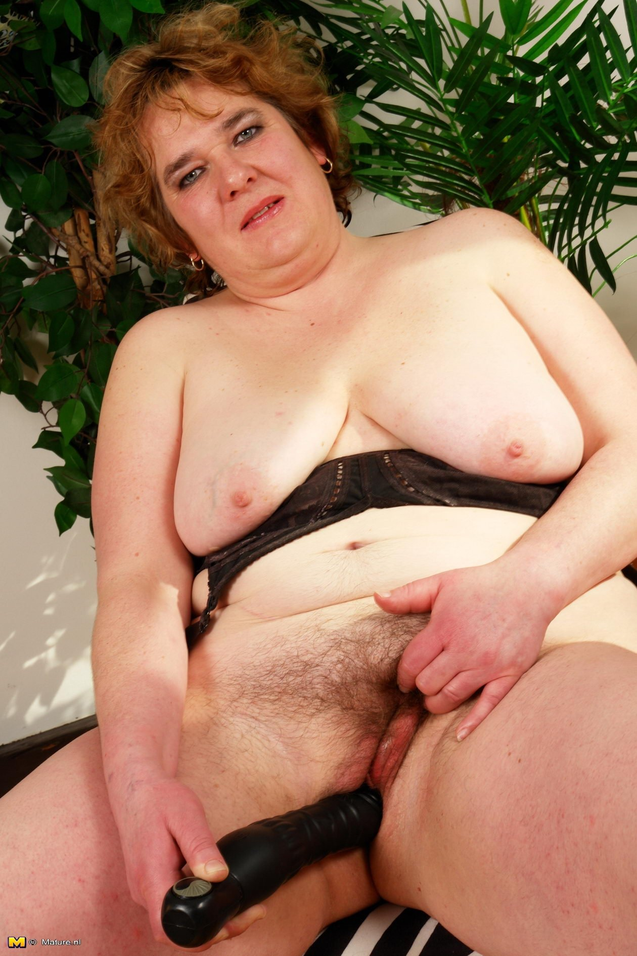 mature wives posing naked