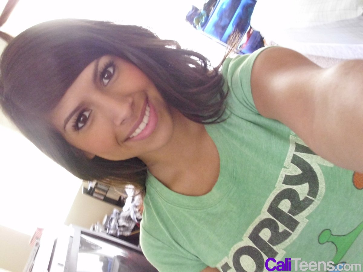 Hot Latina Teen Takes Sexy Big Tits Selfie-5244