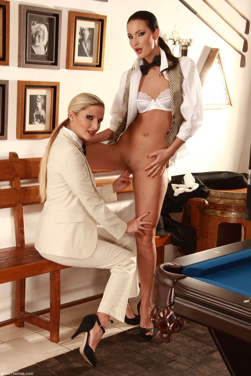 jordi and blonde milf add photo