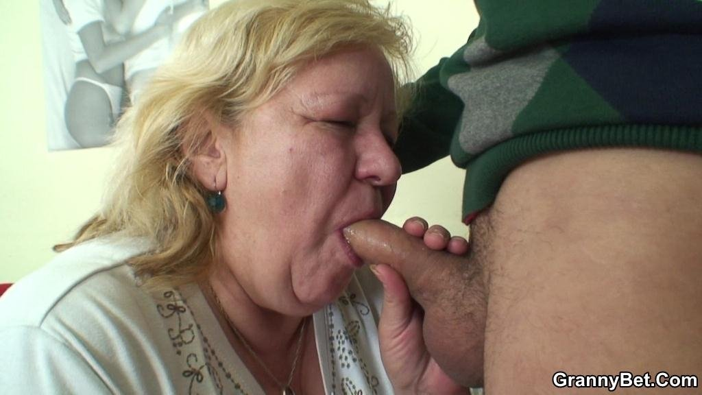 Blindflod suprise Blindflod suprise Husband porn sleep mom son