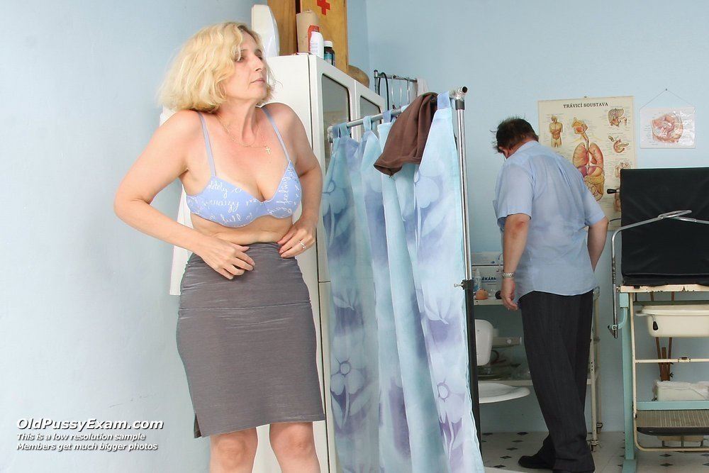 Dutaxe    reccomended sexy mature strippers