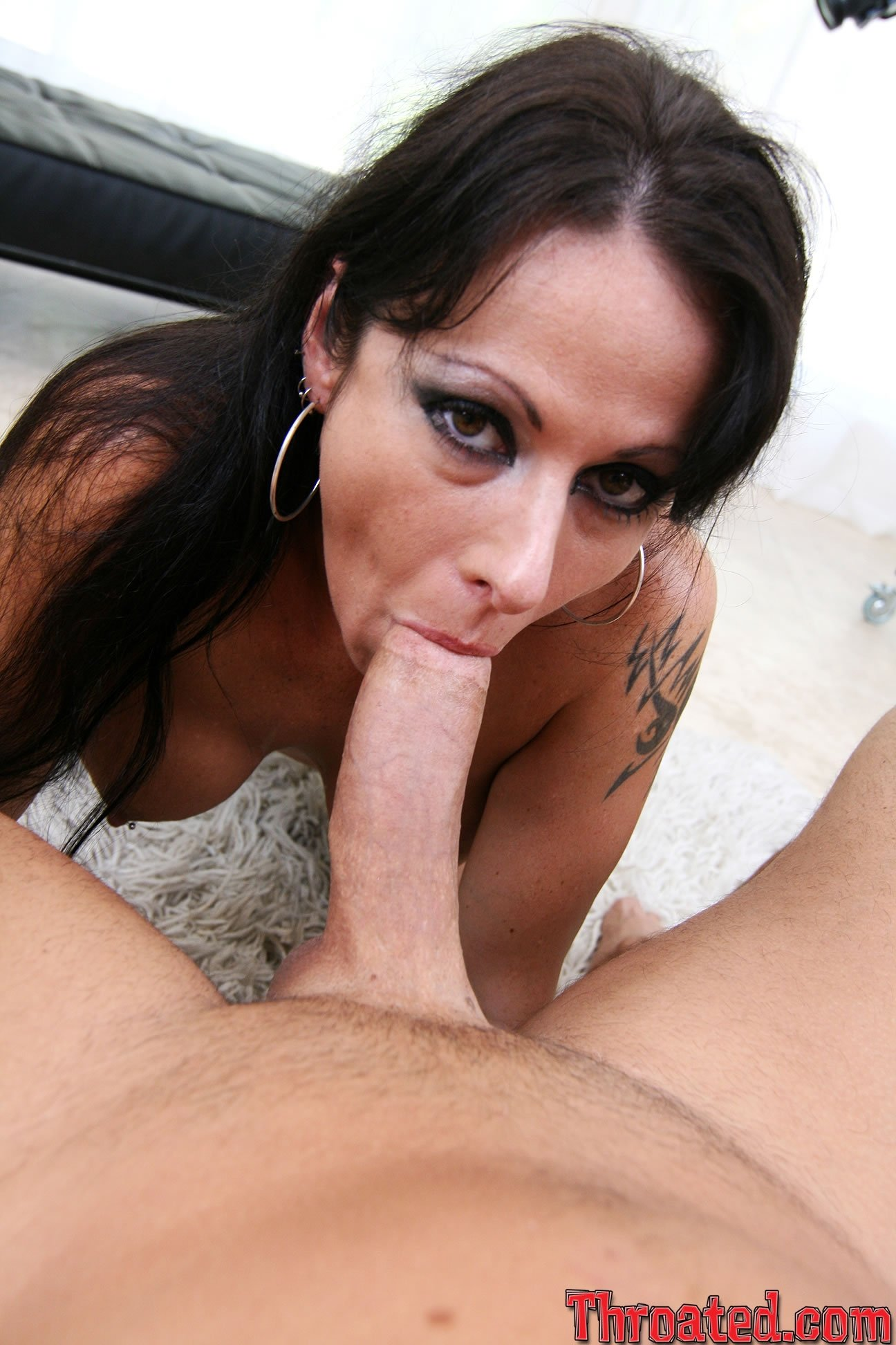 Schnuckel bea pisse Busty brunette babe Luna Star takes cock inside wet hole for a lot of cum