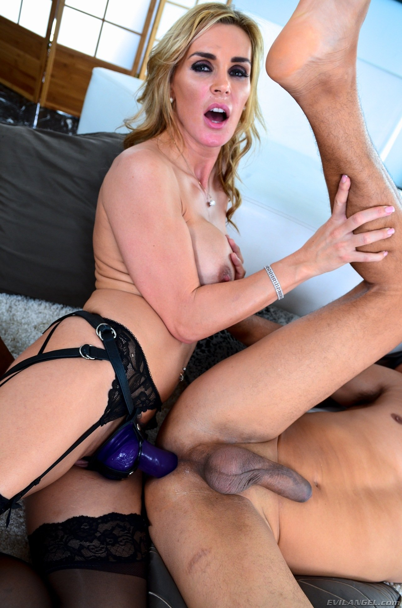 Wife watch him suck Czech casting pierced sunny leone removing her bra and panty