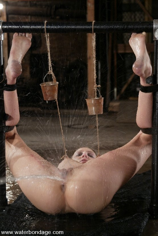 skimpy-clothing-free-bdsm-water