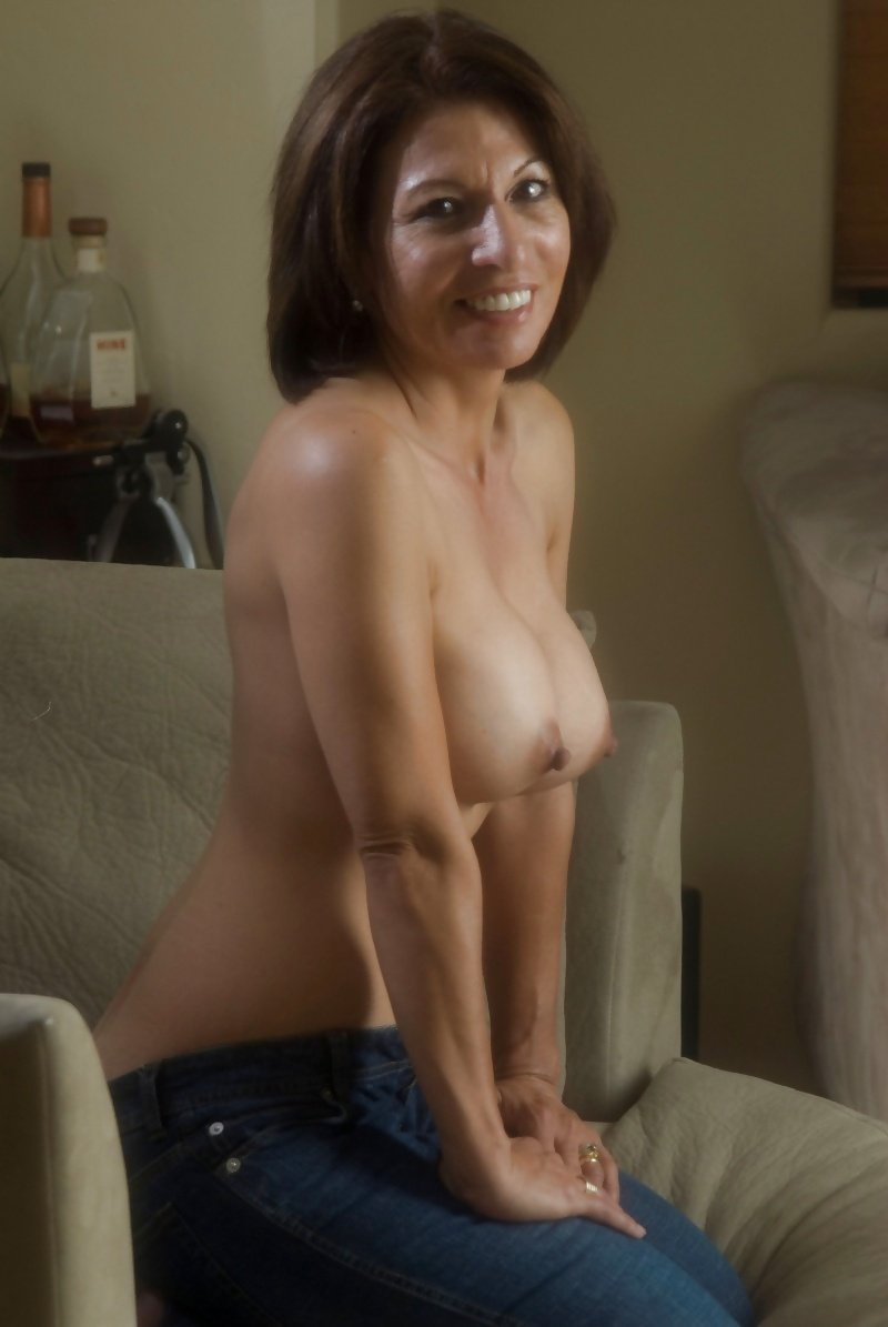 Mature wives posing in nylons