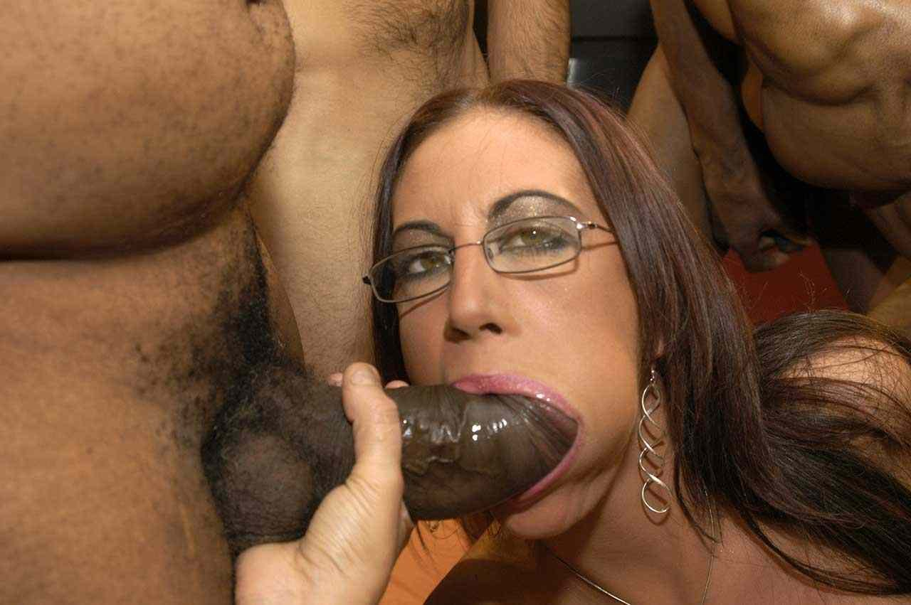 super hot milf pics there
