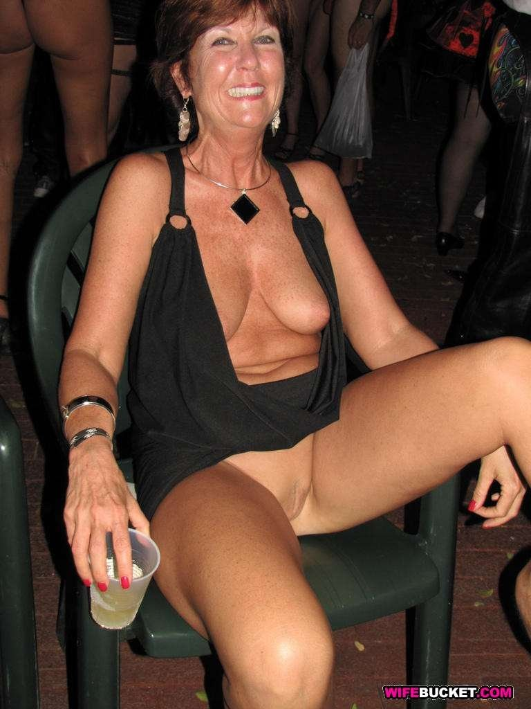 hot milf in skirt
