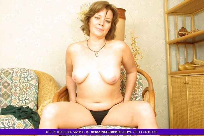 hot sexy thick milf there