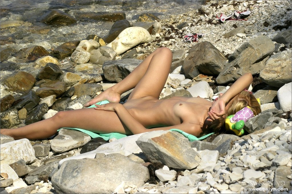 hd nude beach tube