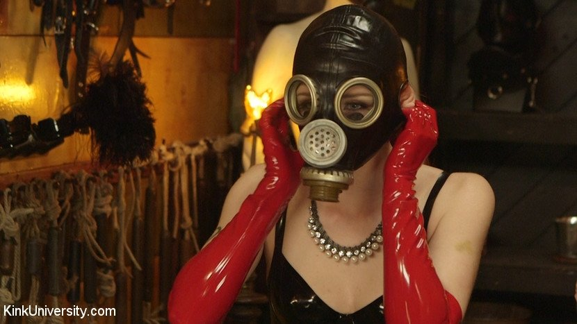 gas-mask-fetish-file-tube