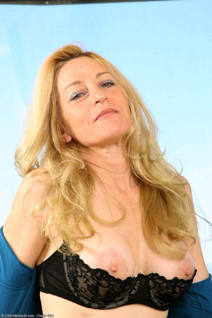 Mature british nude women #8