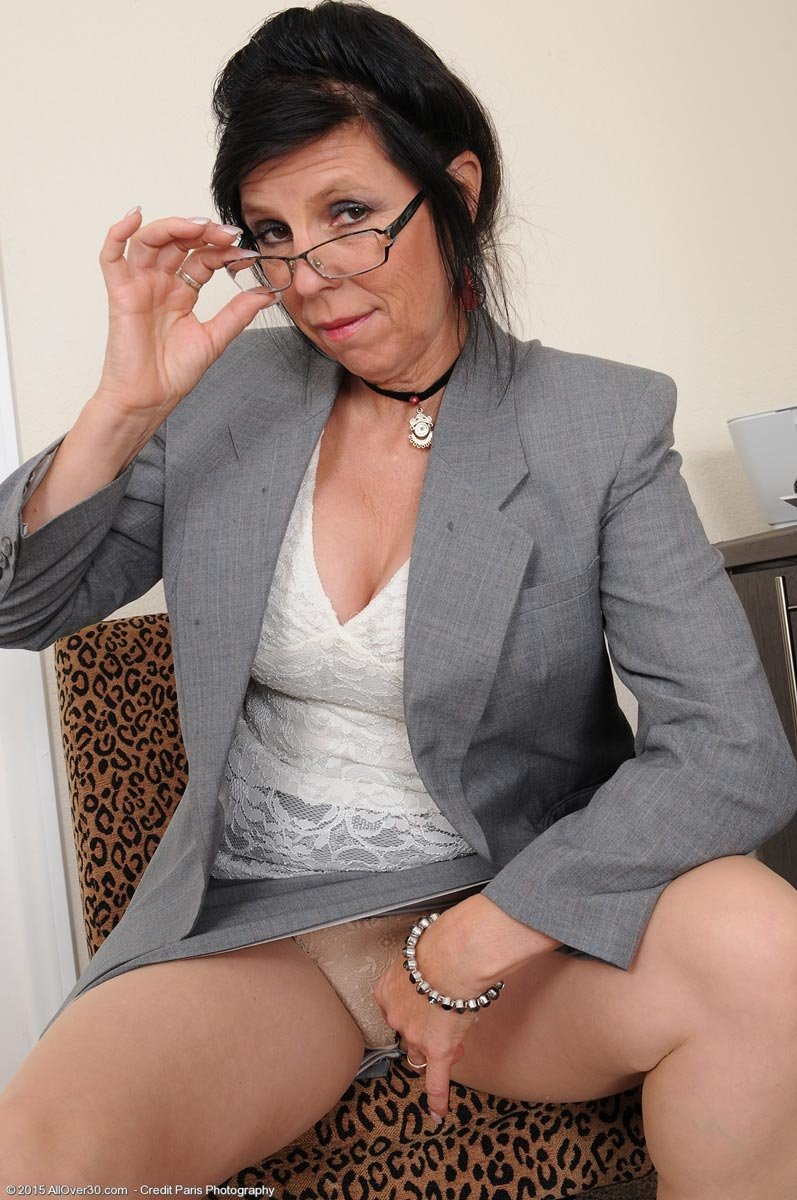 Mature big titts pictures #7
