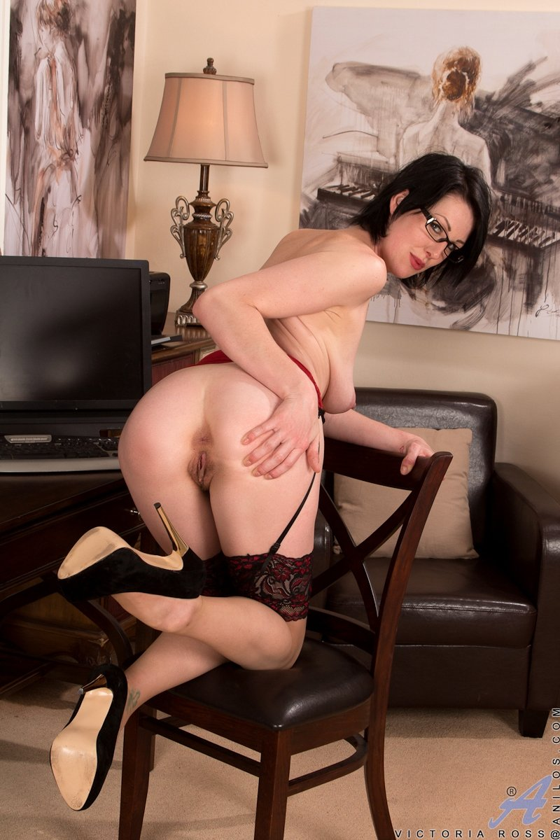 Brajora    reccomend mom lesbian milf makes love to her girlfriend