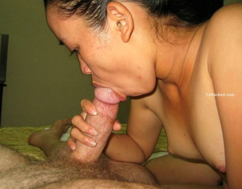 Asian girlfriend gets naughty with her bf in a hotel room