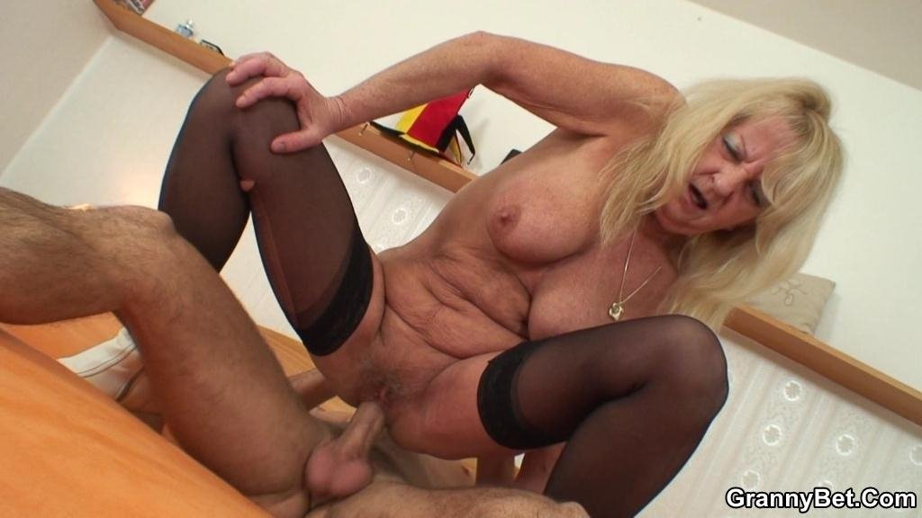 Seks cuckold with mom