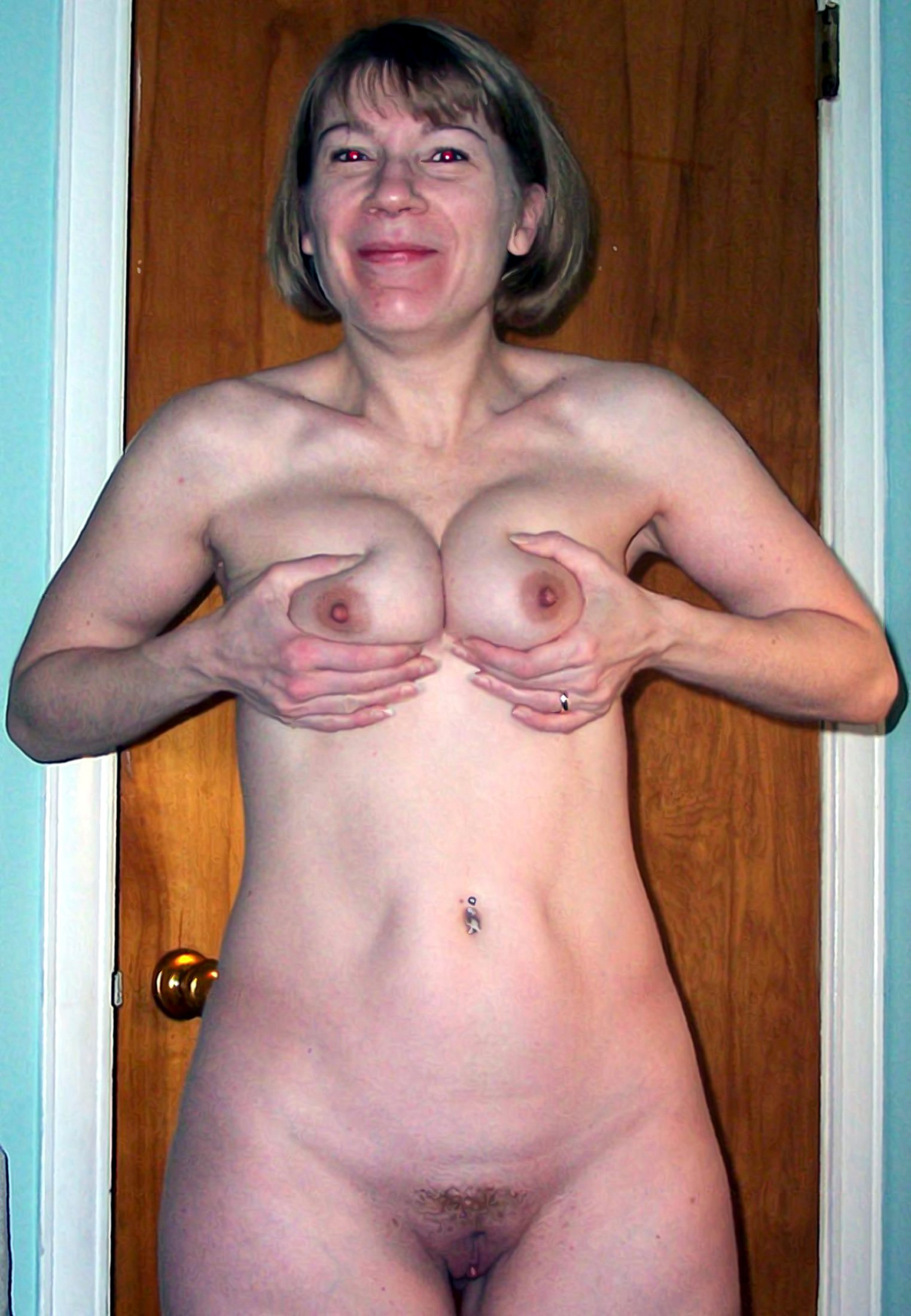 sexy mature mom naked