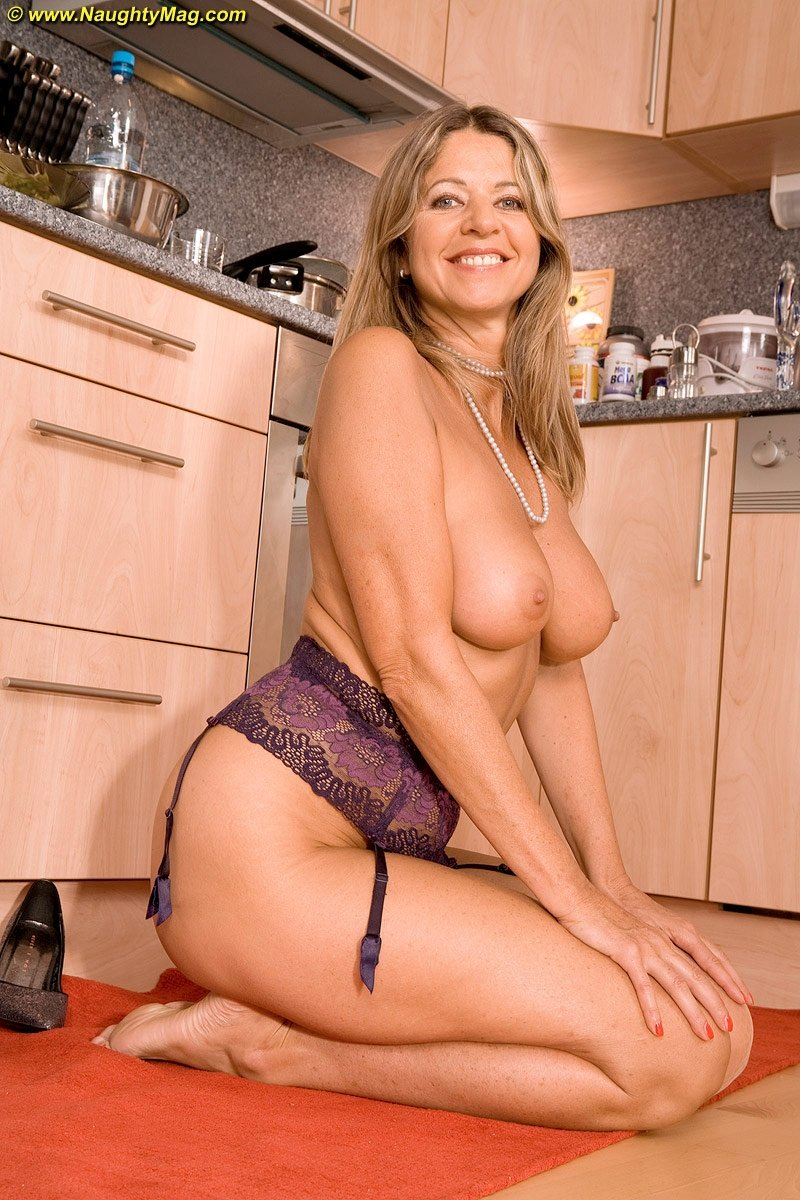 mature 9 xxx add photo