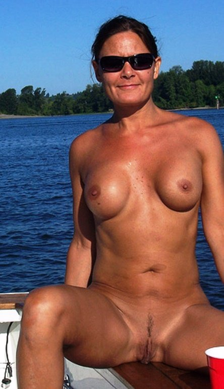 Real cougar wifes nude pics