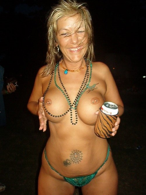 young fat naked women there