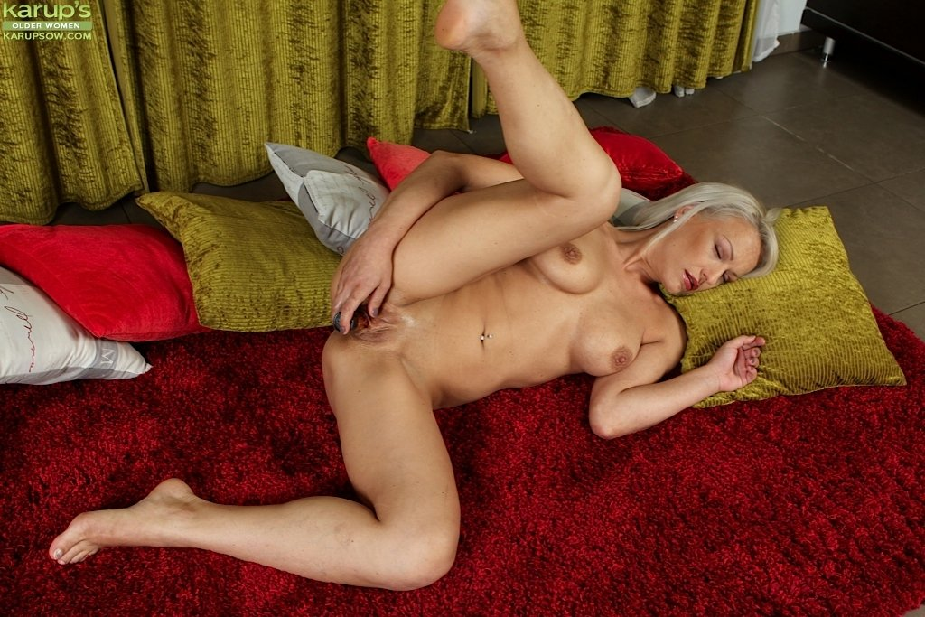 Europe nude family gallery