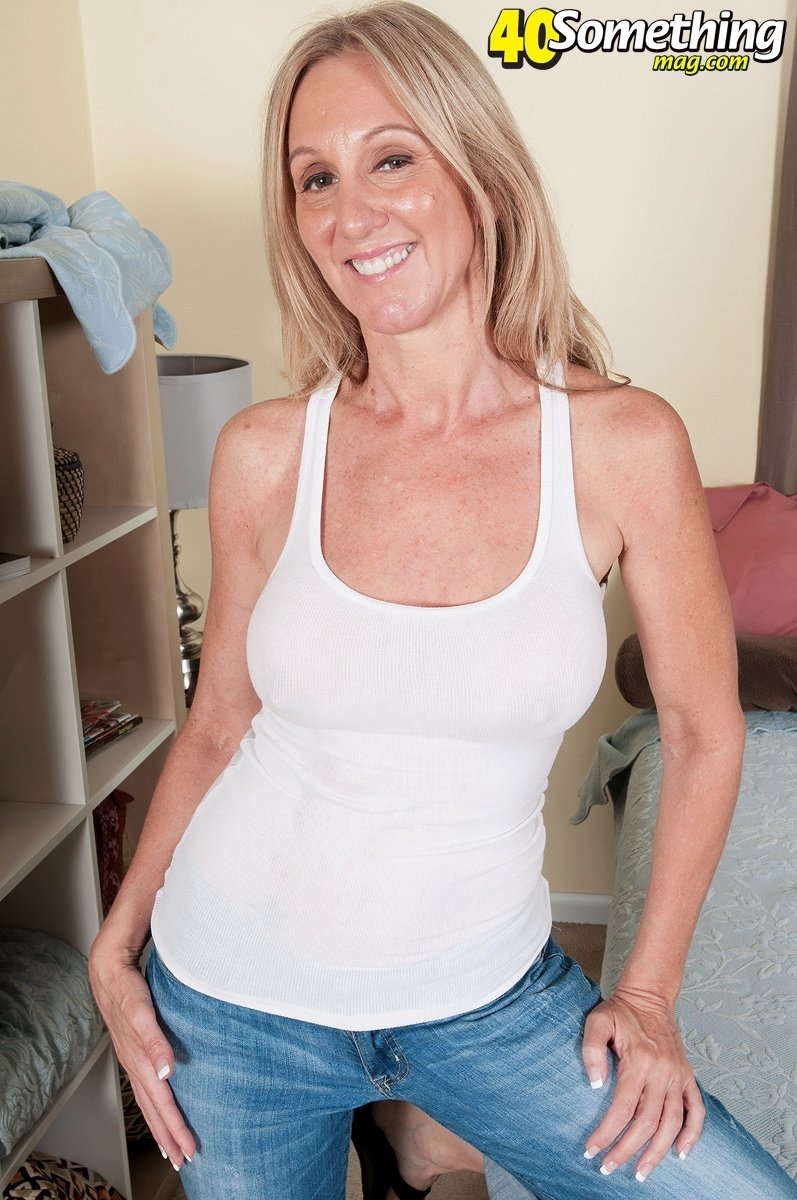 hot sexy older women pics