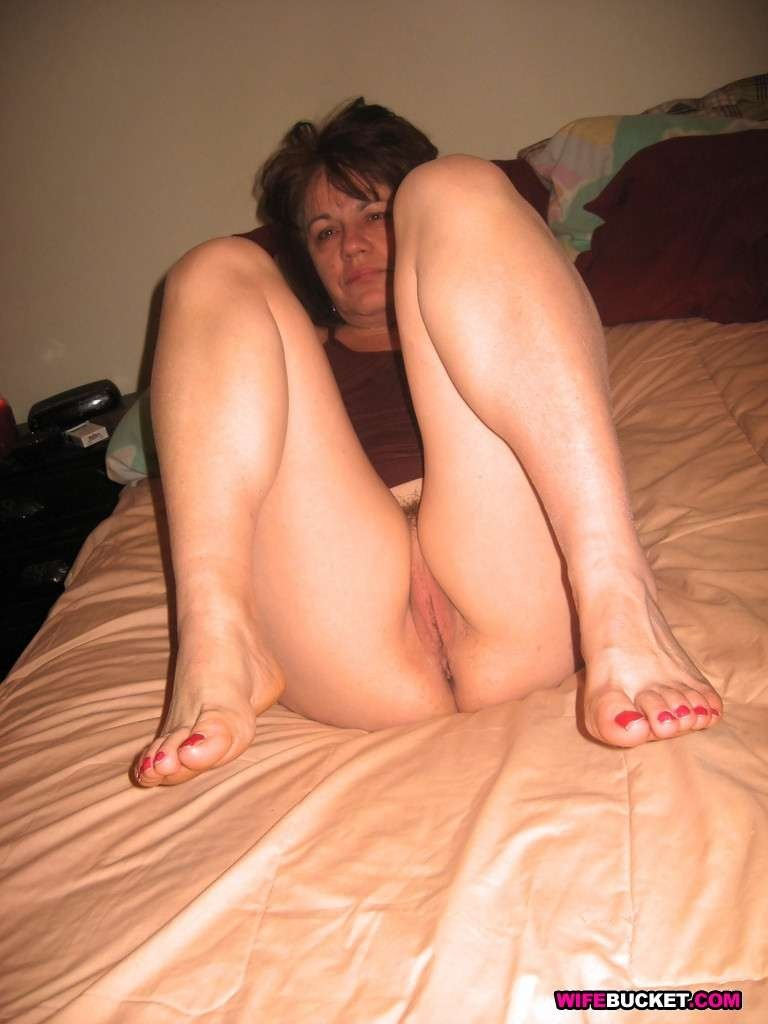 desi gf bf in hotel add photo