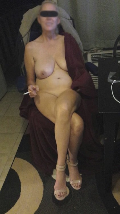 naked small tit women there