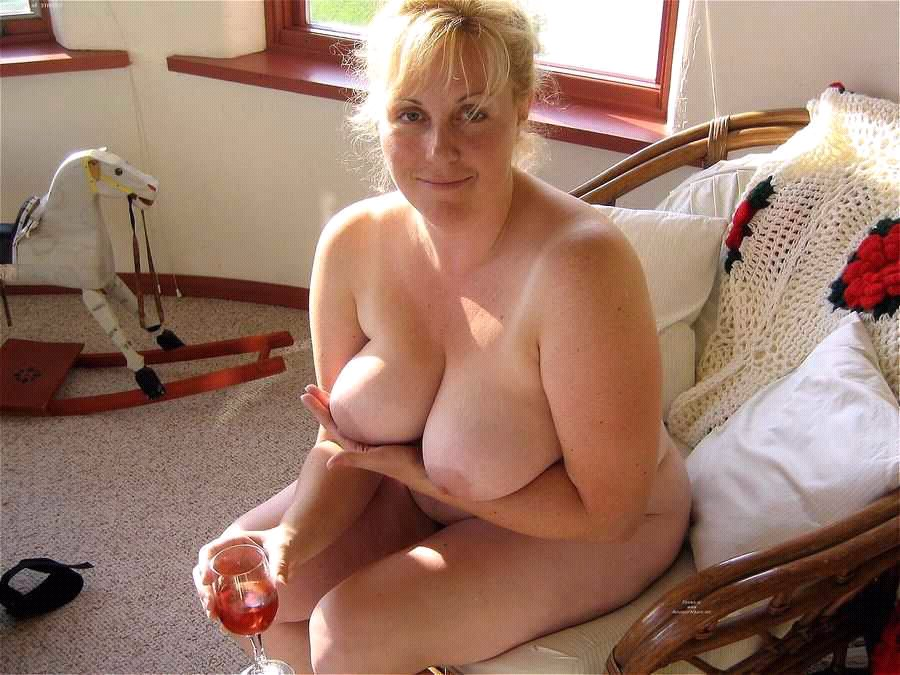 horny milf wants dick