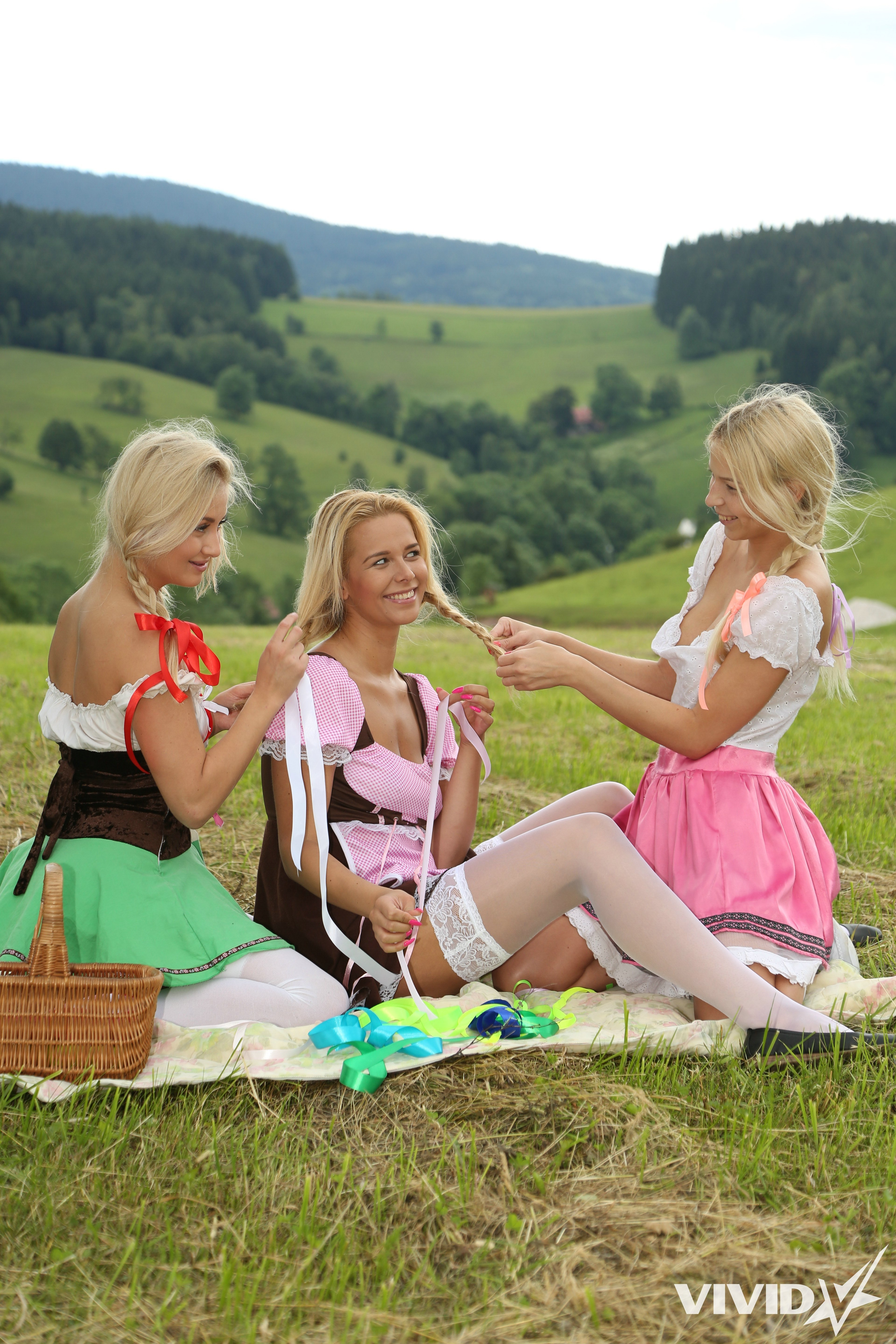 Gorgeous victoria swinger p2 Free mature granny pictures horny mom doggystyle