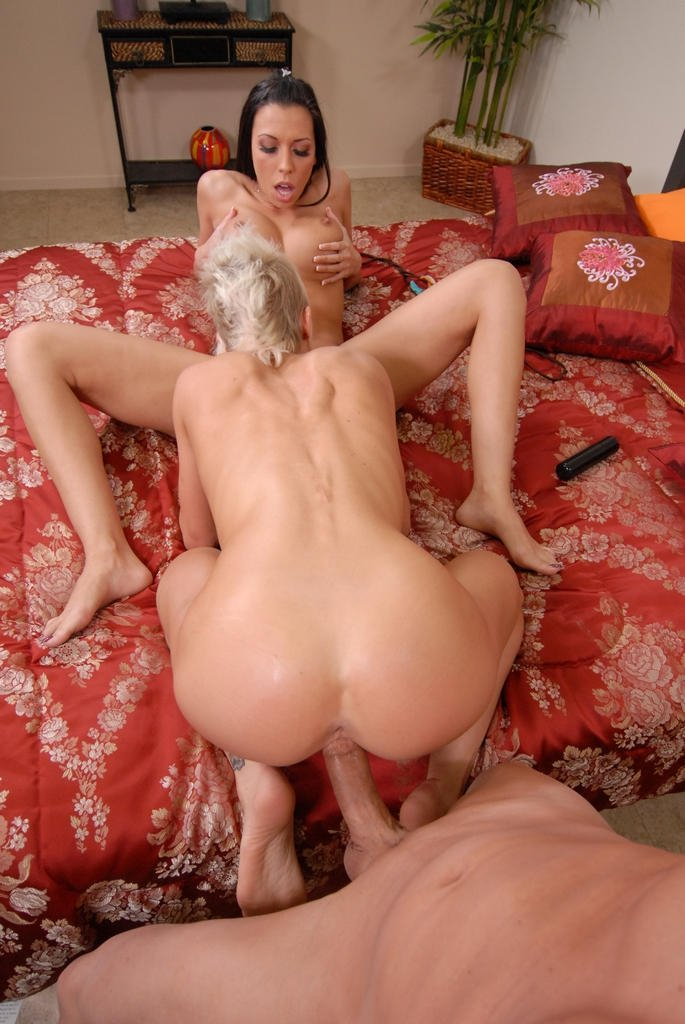 Momy funck Mom son yoga fight Big tit blonde keeps her stockings and high heels on