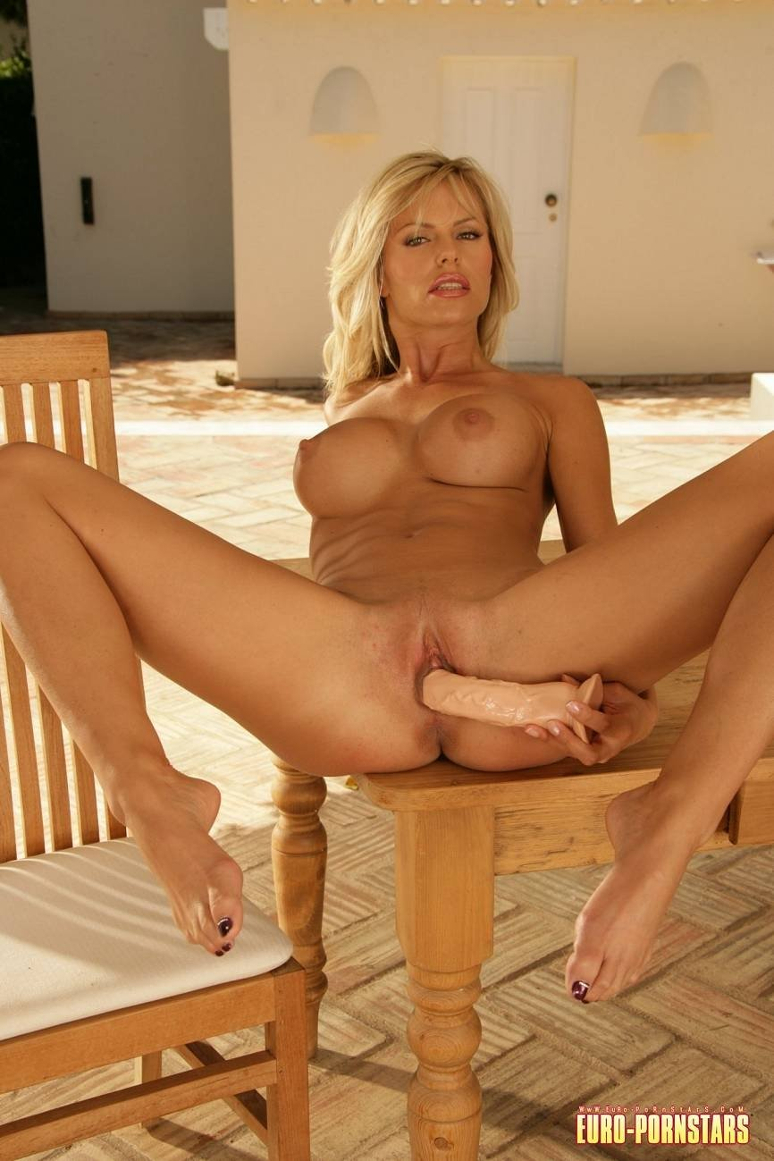 thick blonde milf xxx