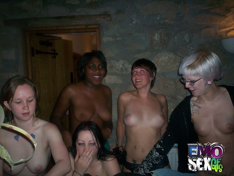 Adult free nudist photo